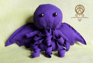 Peluche Cthulhu violette